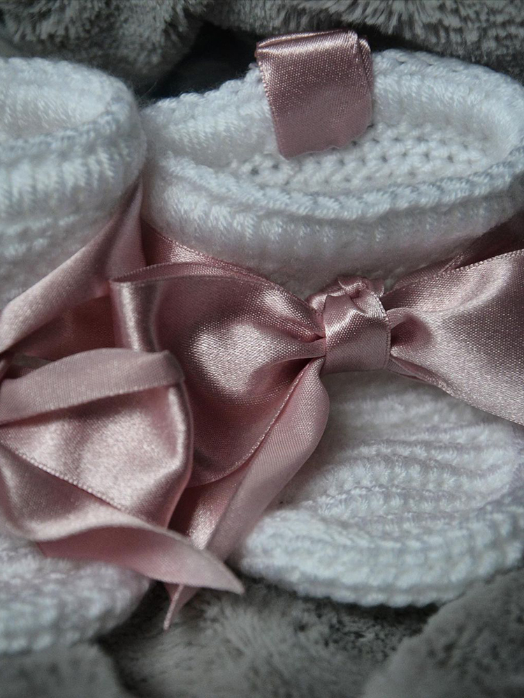 Papučky Classic s ružovou stuhou biele Withloveboots