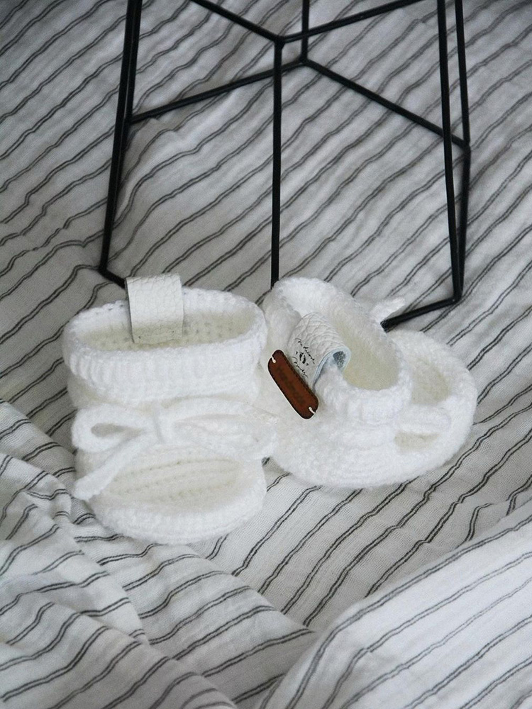 Papučky Classic so šnúrkami biele Withloveboots